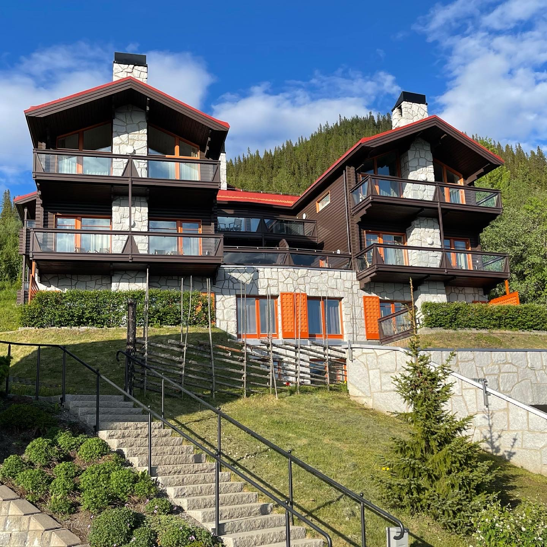 Tottbacken-Peak-Performance-Mountain-House-sommar